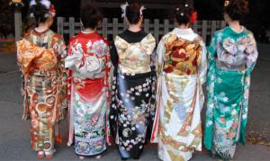 Read more about the article ประวัติของชุดญี่ปุ่น ยูกาตะและกิโมโน